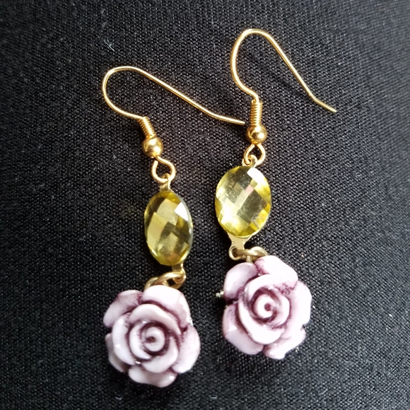Jewelry - Glass Flower Earrings
